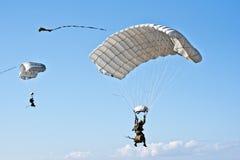 Saint-Jean-de Luz, Франция, 3-ье октября 2015 parachutists f Стоковые Фото