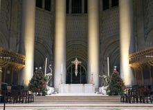 Saint John Divine Church de haut autel pendant le Noël Photographie stock