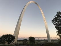 Full View of the St. Louis Arch royalty free stock photos