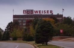 Saint-Louis, Mo※ 4 Νοεμβρίου, 2017, ζυθοποιείο της Budweiser marque από την άποψη οδών Στοκ Φωτογραφία