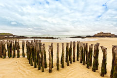 Saint-Malo, breakwaters and Fort National Royalty Free Stock Photography