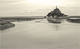Saint-Michel με λίγο νερό στοκ εικόνες