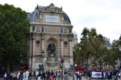 Saint Michel de la fuente en París Fotografía de archivo