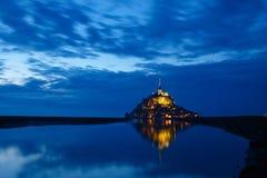 Saint-Michel de Mont na noite Imagem de Stock Royalty Free