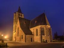 Saint Michelkerk bij schemering, Rafels, Vlaanderen, België royalty-vrije stock afbeelding