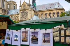 Saint Michelprentbriefkaaren in Notre Dame Paris royalty-vrije stock afbeelding