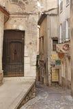 SAINT PAUL DE VENCE - 28 agosto è un bello villaggio fortificato medievale appollaiato su un dente cilindrico stretto fra due vall Fotografia Stock Libera da Diritti