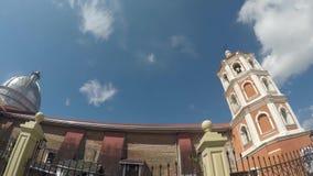 Saint Paul a primeira catedral do eremita que mostra paredes de tijolo da cerca e da nave do ferro vídeos de arquivo