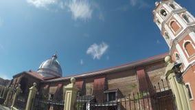 Saint Paul a primeira catedral do eremita que mostra paredes de tijolo da cerca e da nave do ferro filme