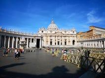Saint Pedro square in Vatican, Italie stock photo