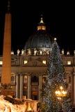 Saint Peter Basilica dans le temps de Noël Images stock