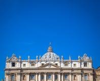 Saint Peter Basilica Dome no Vaticano fotografia de stock royalty free