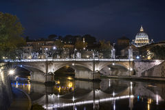 Saint Peter cathedral over Tiber river Stock Images