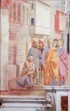 Saint Peter Healing o doente - fresco em Florença fotos de stock