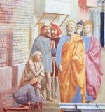 Saint Peter Healing o doente - fresco em Florença foto de stock