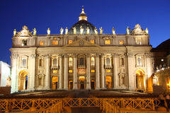 Saint Peter's Basilica at night Royalty Free Stock Photo
