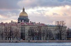 Saint-Petersburg miasta klasyczny ââskyline Fotografia Stock