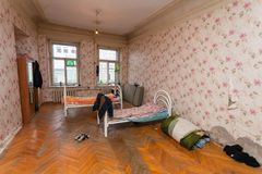 Saint-Petersburg, Russia - November 10, 2016: Sleeping and eating area for refugees in the  apartment for temporar Royalty Free Stock Photography