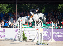 SAINT PETERSBURGO 5 DE JULHO: Rider Mikhail Safronov em Copperphild Imagem de Stock