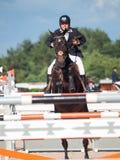 SAINT PETERSBURGO 5 DE JULHO: Rider Tiit Kivisild em Córsega o CS Fotografia de Stock Royalty Free