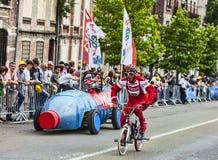 Śmieszny charakter na bicyklu Zdjęcia Royalty Free