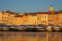 Saint Tropez dans la lumière de soirée photographie stock libre de droits
