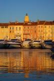 Saint Tropez dans la lumière de soirée image libre de droits