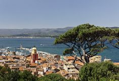 Saint Tropez, look on Gulf of St Tropez with parish church, Cote d'Azur, Southern France Stock Images