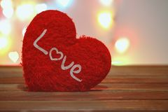 Saint Valentin avec le coeur rouge Photo stock