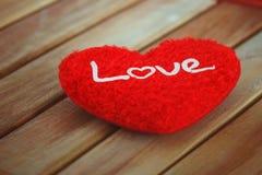 Saint Valentin avec le coeur rouge Photographie stock libre de droits