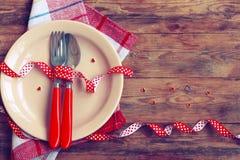Saint Valentin, dîner romantique, plat, cuillère et fourchette Photographie stock