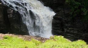 Sainte安妮在峡谷Sainte安妮(魁北克,加拿大)系列(15跌倒23) 图库摄影