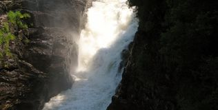 Sainte安妮在峡谷Sainte安妮(魁北克,加拿大)系列(17跌倒23) 免版税库存照片
