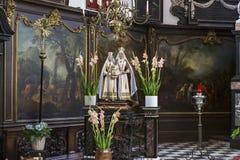 sainte安妮chrurch,布鲁日,比利时内部  免版税图库摄影