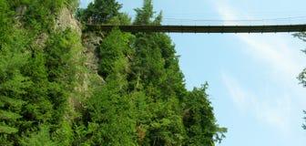 Sainte-Anne faller i kanjonSainte-Anne (Quebec, Kanada) serie (6 av 23) Royaltyfri Bild