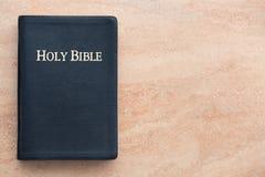 Sainte Bible sur le grès Images stock