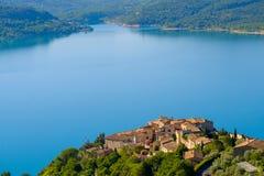 Sainte Croix Du Verdon Провансаль, Alpes, Франция стоковые фотографии rf