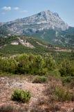 Sainte-Victoire -山在普罗旺斯,法国 库存图片