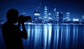 Saisissez la scène de nuit de Perth Image stock