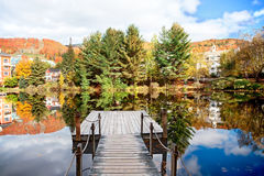 Saison d'automne dans Mont-Tremblant, Canada Photographie stock libre de droits