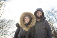 Saison d'hiver de deux amis Photo stock