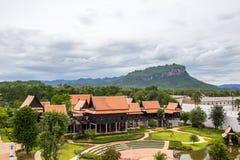 Saiyok区,北碧省, 7月9,2017的泰国:从Mallika City, 1905 A城市塔的看法  d 文化城市和 库存图片