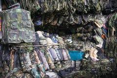 SAKAEO, THAILAND - MEI 21, 2016: Militaire camouflage die a kleden Stock Fotografie