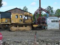 Sakhalin, Russia - 18 luglio 2014: catarpillar per il carico dell'attrezzatura necessaria Fotografia Stock Libera da Diritti