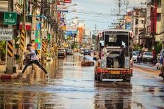 Sakhon Nakhon, Thaïlande - 4 août 2017 : Transportati de difficulté image libre de droits
