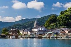 Sakitsukerk en blauwe hemel in Amakusa, Kyushu, Japan stock foto