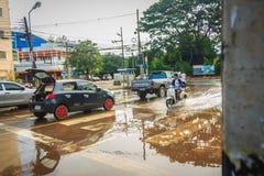 Sakon Nakhon Tajlandia, Sierpień, - 3, 2017: Po wody powodziowej reced Zdjęcie Stock