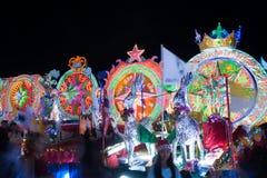 Sakon- Nakhonparade des Weihnachtsstern-Festivals in Thailand lizenzfreie stockfotos