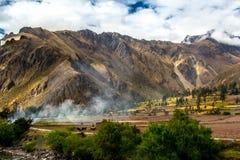 Sakral dal för peruan: Drevritten till Machu Picchu royaltyfria bilder