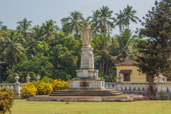 Sakral hjärta av Jesus, staty på gården av St Catherine Cathe Royaltyfri Foto